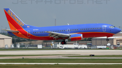 N678AA - Boeing 737-3A4 - Southwest Airlines