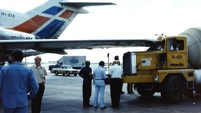 HI-212 - Boeing 727-1J1 - Dominicana de Aviación