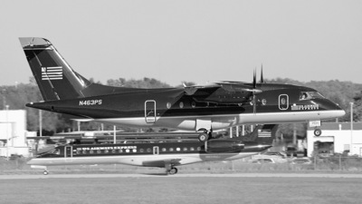 A picture of N463PS -  - [] - © Michael D. Licko