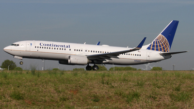N76517 - Boeing 737-824 - Continental Airlines