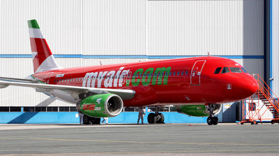 G-FHAJ - Airbus A320-231 - MyAir