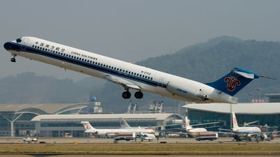 B-2142 - McDonnell Douglas MD-82 - China Southern Airlines