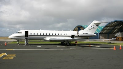 Bombardier BD-700-1A10 Global Express - Private