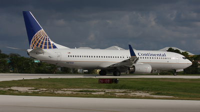 N87513 - Boeing 737-824 - Continental Airlines