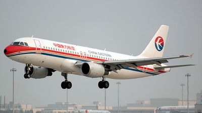 Airbus A320-214 - China Eastern Airlines