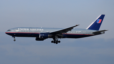 Boeing 777-222 - United Airlines