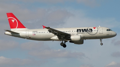 N369NW - Airbus A320-212 - Northwest Airlines
