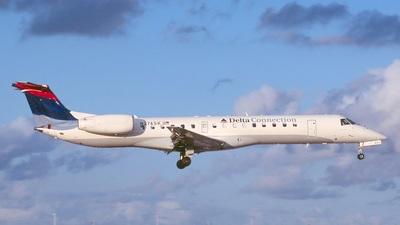 Embraer ERJ-145LR - Delta Connection (Chautauqua Airlines)