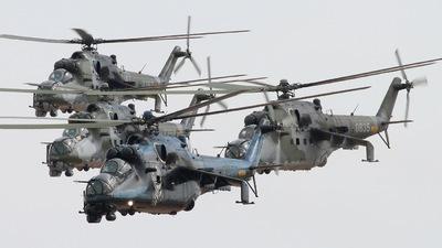 7353 - Mil Mi-24V Hind E - Czech Republic - Air Force