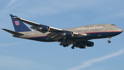 Boeing 747-422 - United Airlines