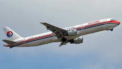 Airbus A321-211 - China Eastern Airlines