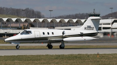 N32DD - Gates Learjet 24 - Private