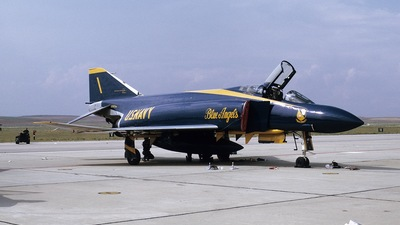 153072 - McDonnell Douglas F-4J Phantom II - United States - US Navy (USN)