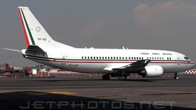 A picture of XCUJB - Boeing 73733A -  - © André Du-pont  (Mexico Air Spotters)