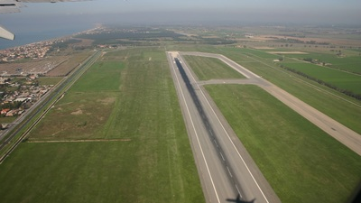 LIRF - Airport - Runway
