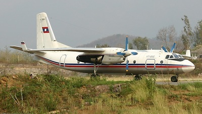 RDPL-34128 - Xian Y-7-100C - Laos - Air Force