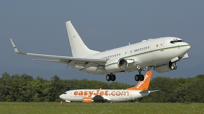Boeing 737-7BQ(BBJ) - Private