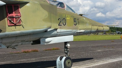 20-51 - Mikoyan-Gurevich MiG-23BN Flogger F - German Democratic Republic - Air Force