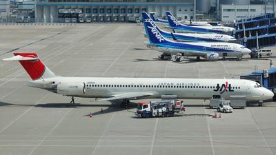 JA001D - McDonnell Douglas MD-90-30 - Japan Airlines (JAL)