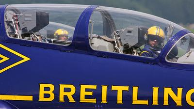 Aero L-39C Albatros - Breitling Apache Jet Team
