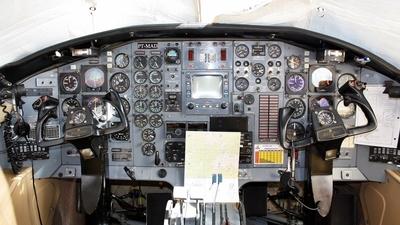 PT-MAD - Embraer EMB-121 Xingú - Táxi Aéreo Weiss