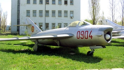 0904 - Mikoyan-Gurevich MiG-17 Fresco - Romania - Air Force