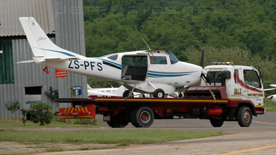 ZS-PFS - Cessna 206H Stationair - Private
