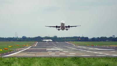 EPWA - Airport - Runway