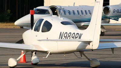 A picture of N989PW -  - [] - © Maciej Stok³osa