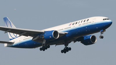 N220UA - Boeing 777-222(ER) - United Airlines