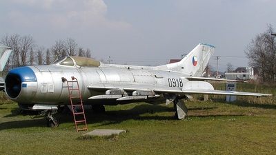 0918 - Mikoyan-Gurevich MiG-19 Farmer - Czech Republic - Air Force