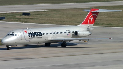 N611NA - McDonnell Douglas DC-9-32 - Northwest Airlines