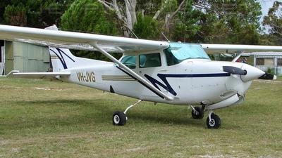 A picture of VHJVG - Cessna 172RG Cutlass RG - [172RG0539] - © DaveWilson