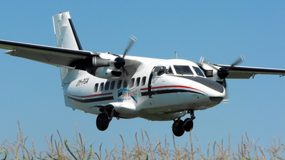 OM-PGA - Let L-410UVP Turbolet - Sky-Diving For Fun SK