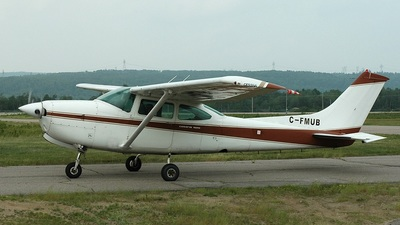 A picture of CFMUB - Cessna R182 Skylane RG - [R18200752] - © Jean-Pierre Bonin