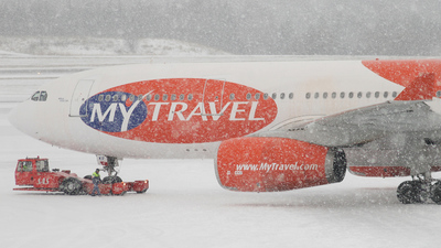 OY-VKF - Airbus A330-243 - MyTravel Airways AS
