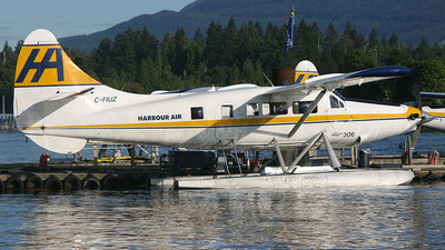 C-FIUZ - De Havilland Canada DHC-3T Vazar Turbine Otter - Harbour Air