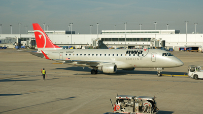 N620CZ - Embraer 170-200LR - Northwest Airlink (Compass Airlines)