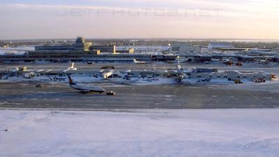 CYUL - Airport - Ramp