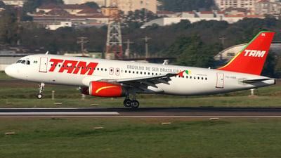 PR-MBK - Airbus A320-233 - TAM Linhas Aéreas