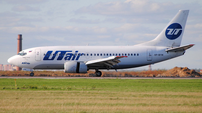 VP-BYM - Boeing 737-524 - UTair Aviation