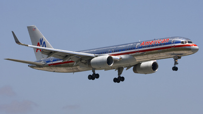 N670AA - Boeing 757-223 - American Airlines