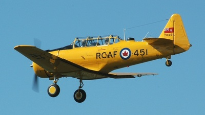 CF-ROA - Canadian Car and Foundry Harvard Mk.IV - Vintage Wings of Canada