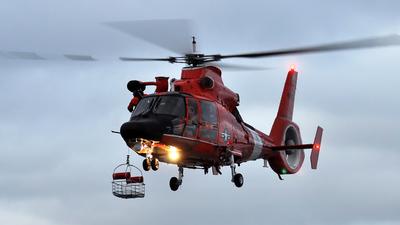 6520 - Aérospatiale HH-65C Dolphin - United States - US Coast Guard (USCG)