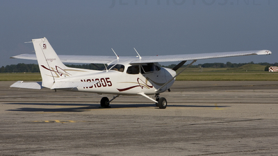 A picture of N68105 -  - [] - © Andrew Thompson