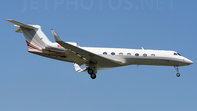 A picture of N522BP - Gulfstream G550 - [5135] - © Jonathan Morgan