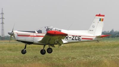 YR-ZCE - Zlin 142 - Romanian Airclub