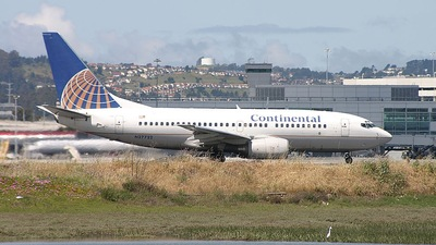 N27722 - Boeing 737-724 - Continental Airlines