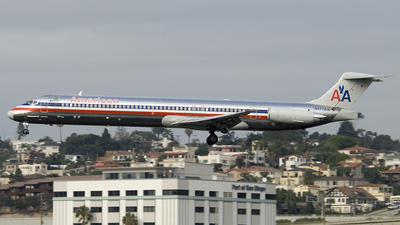 N477AA - McDonnell Douglas MD-82 - American Airlines