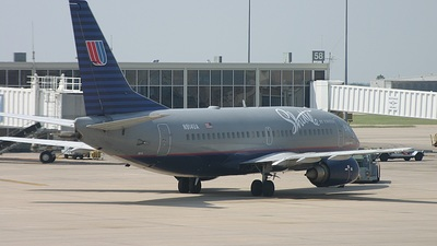 N914UA - Boeing 737-522 - Shuttle by United